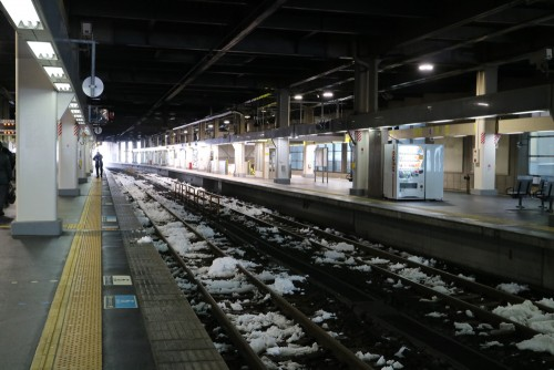金沢大雪で北陸本線運休
