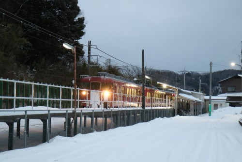 JR七尾線中津幡駅