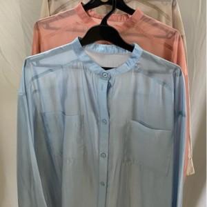 夏の装いにシアーシャツ